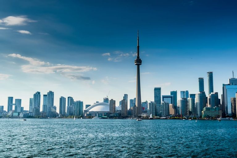 4 Reasons Why Renting in Toronto is Better than Owning