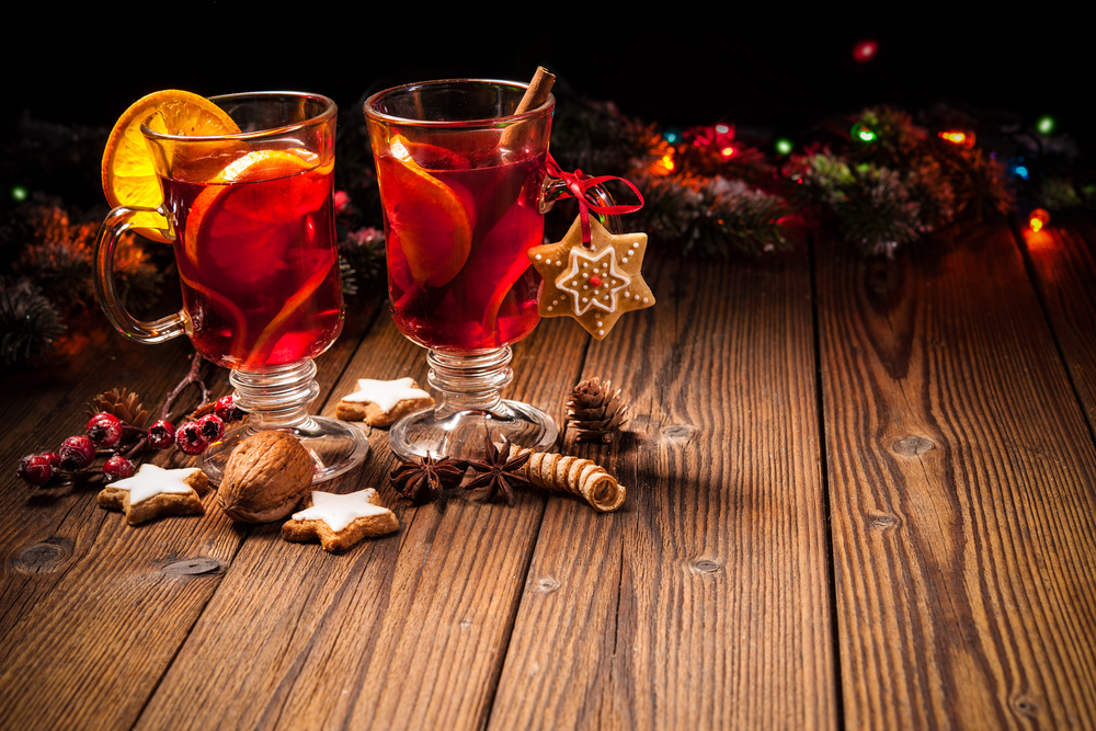 festive drink and cocktail ideas for your holiday party