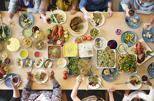 how-to-host-the-perfect-holiday-gathering-in-your-clv-group-apartment_apartments-across-ontario-and-quebec_pet-friendly-apartments_potluck